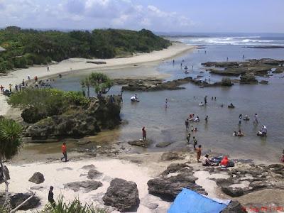 Tempat Wisata Situ Bagendit dan Pantai Santolo