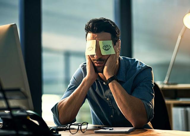 Cara Ampuh Mengusir Rasa Bosan Di Kantor