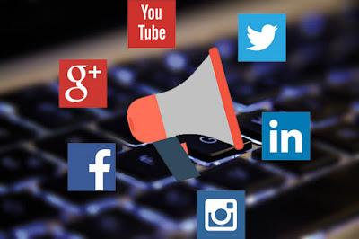 Adab Dalam Bergaul Di Dunia Maya/media sosial