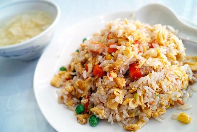 Kurangi konsumsi nasi dan makanan berlemak dalam jumlah banyak DIET alami
