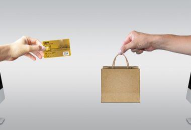 Jelaskan Perbedaan Antara Bisnis Online Dan Offline