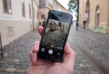 Berapa Lama Virus Corona Bisa Menempel Di Smartphone?